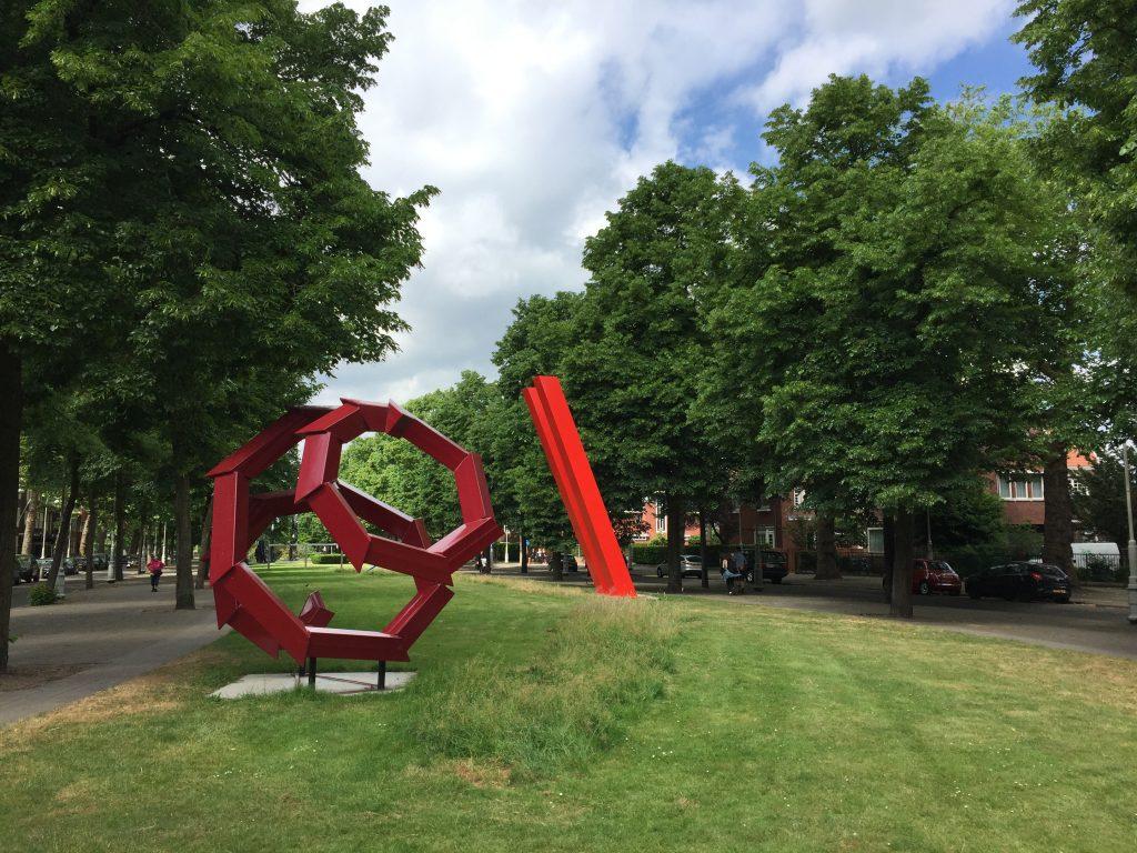 """Kunstausstellung """"Artzuid"""" im Park Minervalaan"""